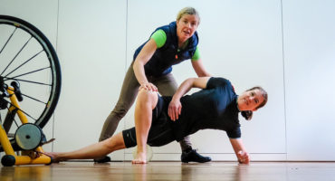 The Physio Bike Fit ITB Stretch for cyclists, Topbike Physio Emma Colson Melbourne
