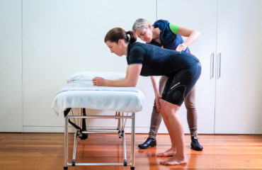 The Aero Stretch - The best pre-ride stretch for cyclists, Topbike Physio Emma Colson Melbourne